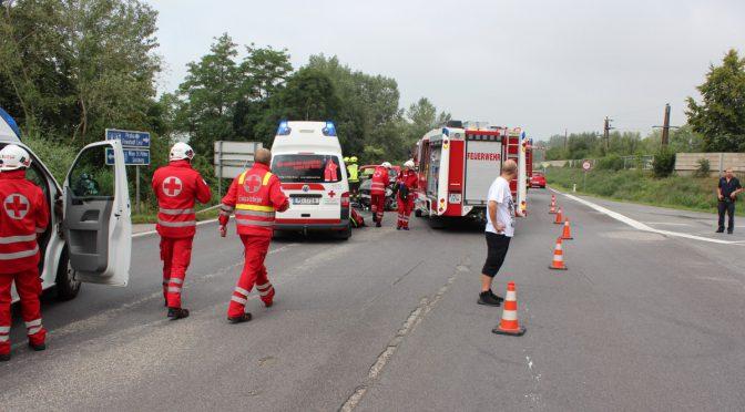 Schwerer Verkehrsunfall B3 / Zufahrt KZ Mauthausen
